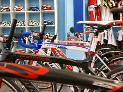 Servicios tienda Venta y exposición Bicicletas, material nuevo y de segunda mano